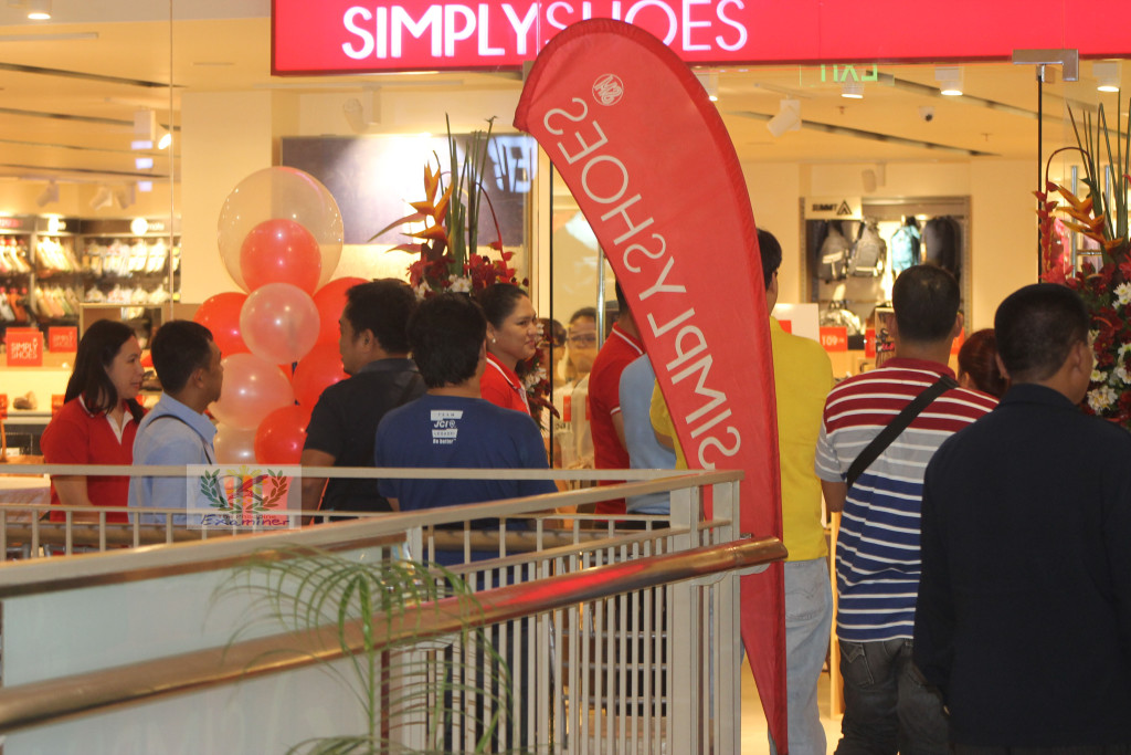 Simply Shoes opens its 25th branch in Legazpi City
