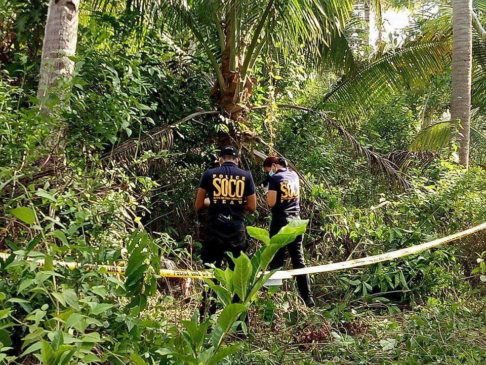 SOCO Team conducts crime scene investigation Barangay San Isidro, Castilla, Sorsogon after the victim's body was found. Photo by Chriatian Bujatin Pongpong.