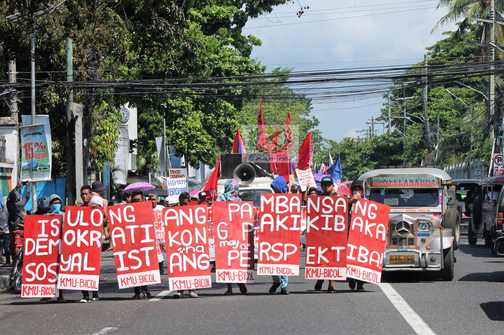 Bicolanos demands DU30 to end contractualization on Labor Day