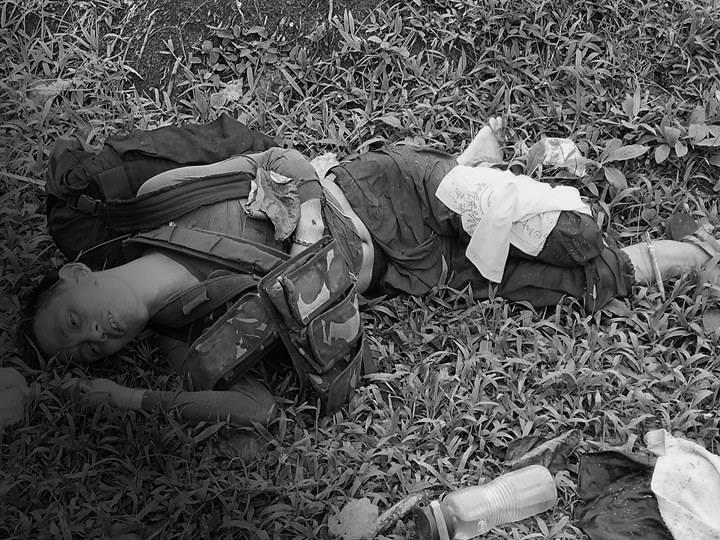 Slain rebel body in Abella, Ligao City encounter. Philippine Army photo.