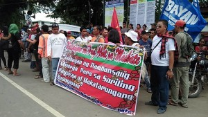 In Solidarity to the delegates of Lakbayan 2017 Bayan-Masbate welcome the members of Sandugo. Photo by Bayan-Masbate.