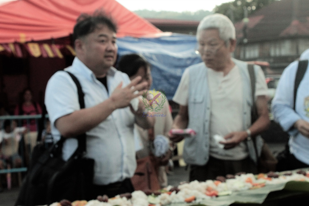Japanese tourists oins the boodle fight. Photo by www.philexaminer.com