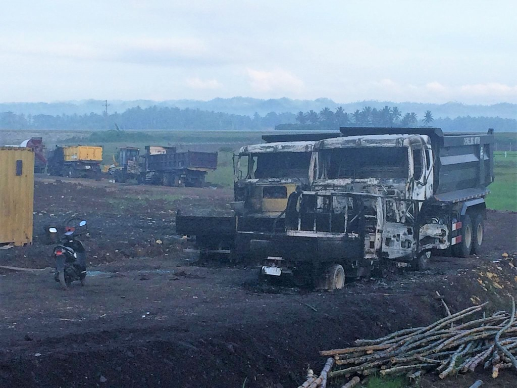 Suspected rebels torches heavy equipment inside Bicol International Airport Albay construction site