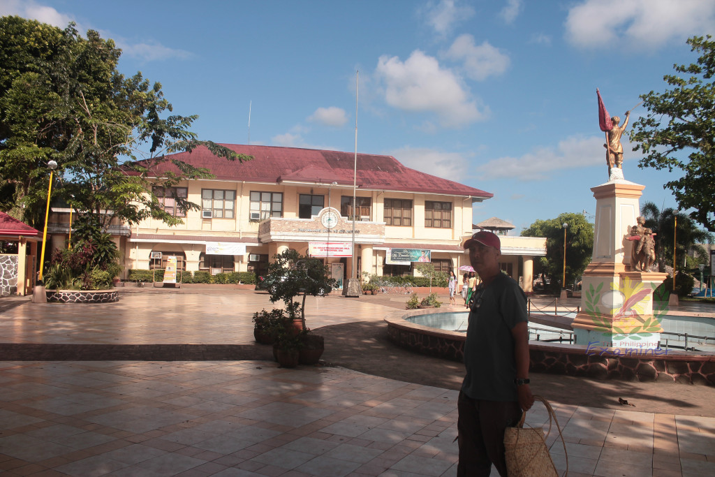 Sto. Domingo Municipal Hall. Photo by The Philippine Examiner.