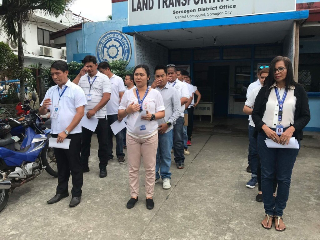 LTO – 5 snail's pace driver's license renewal causes public uproar