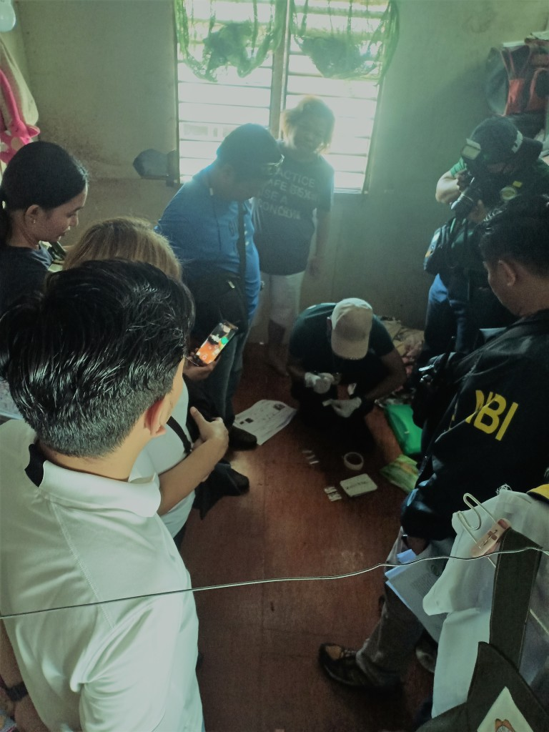 Barangay Tinago drug den raid yields 40 grams of shabu